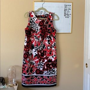 Gorgeous floral fitted dress